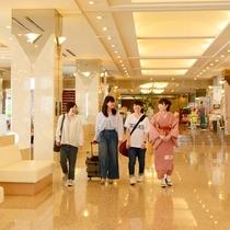 ホテル内回廊