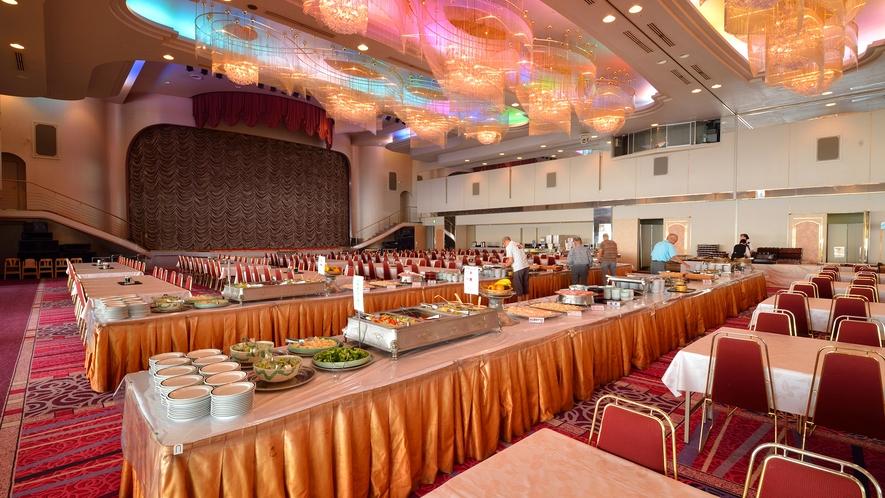 ★朝食会場は広々としたコンベンションホール!※集客状況によっては変更となる可能性がございます。