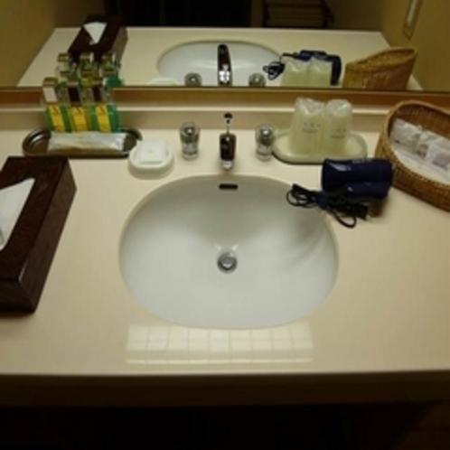 【西館】 客室内の洗面台