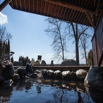 十勝川の景色とモール温泉の相乗効果。