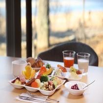 朝食バイキングの一例