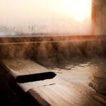 客室露天風呂(湯けむりイメージ)