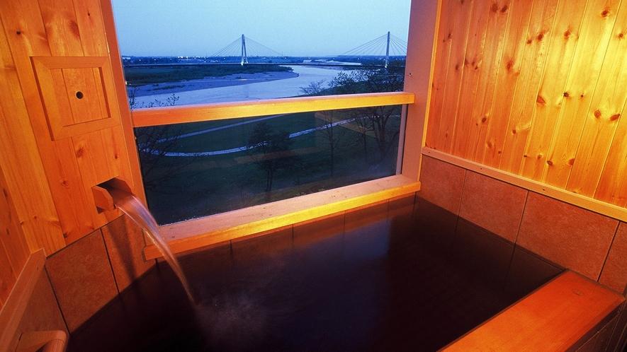 【展望フロア】露天風呂付・和室10畳2~4名迄(川側/禁煙)