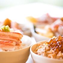 【朝食バイキング】一番人気!海鮮どんぶり