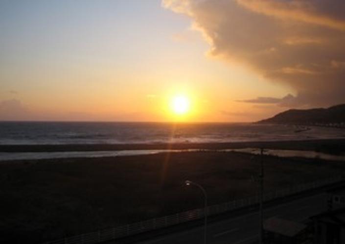 ホテルから見える夕日