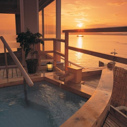 舟形露天風呂/夕景は圧巻!天気のいい日は淡路島や四国まで見えます