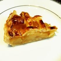 岩手県産のりんごを使用したアップルパイ