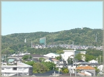 風神山 旅館西側に連なる阿武隈山地の最南端、これより南は日本一の関東平野