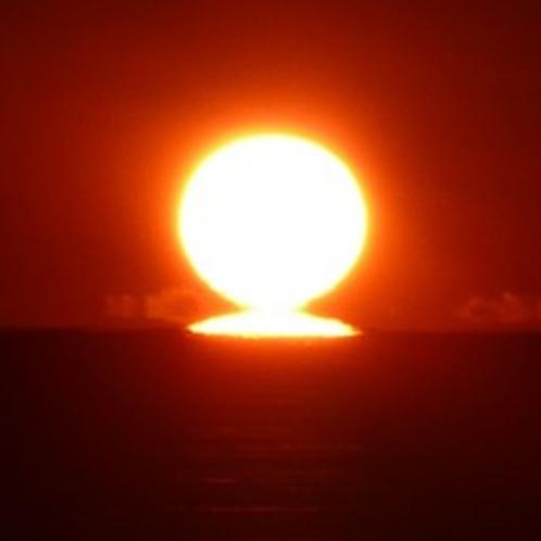 日の出・水平線