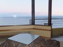 客室堀こたつと海の眺望