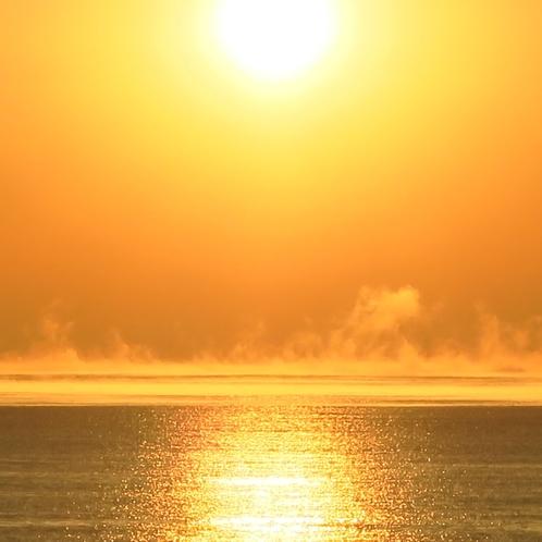 55朝もやのフレアと日の出