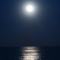 お正月の珍しい満月