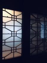 本館:ベッド部屋【橘】の間 寝室の扉