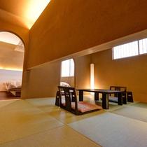 *和洋室「八上」/和と洋、両方の良さを味わえる客室。畳のお部屋で団欒のひと時をお過ごし下さい。