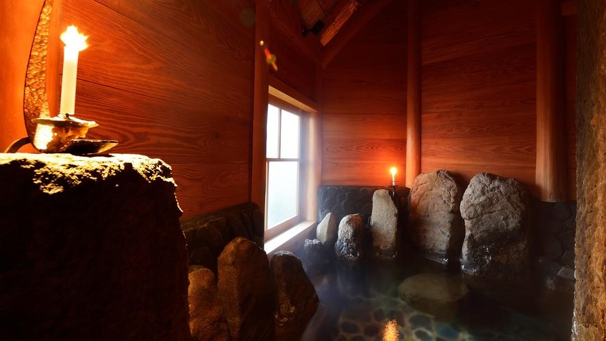 *【 健の湯 】「来待(きまち)石」を使用した岩風呂風の半露天貸切風呂