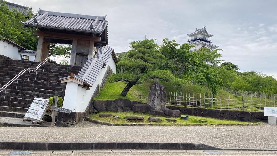 掛川城(徒歩8分)
