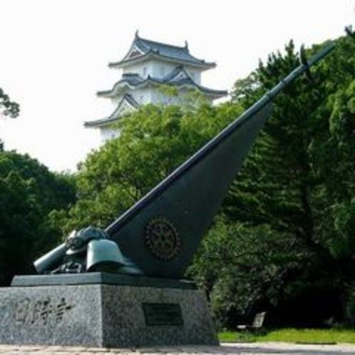 日時計と明石城・坤櫓