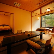 桐の花和洋室【花浅葱】和室8畳+ツインベット