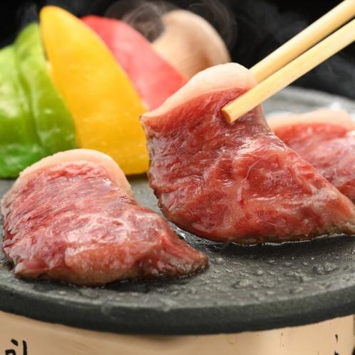 【前沢牛の「陶板焼き」】口の中でとろける美味しさ♪おススメはミディアムレアで。