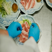【盛り付け】瀬美温泉の料理は、味は勿論、見た目にも拘ります。