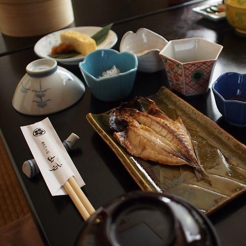 ■ご朝食 一例 【鯵のひらき】