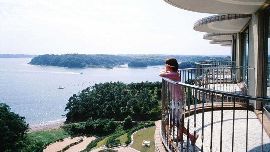 ◆客室の眺望(雄大な的矢湾・リアス式の景観)(2)