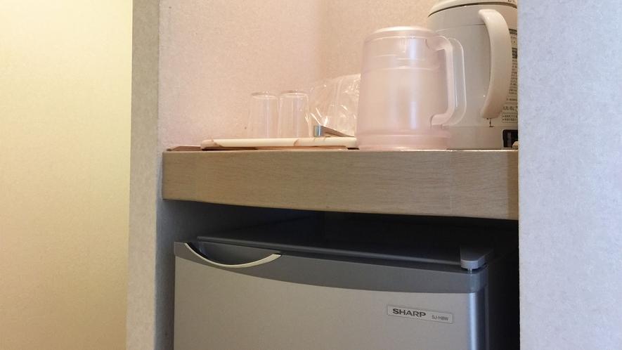 ◆冷蔵庫 湯沸かしポット 山側 和室8畳