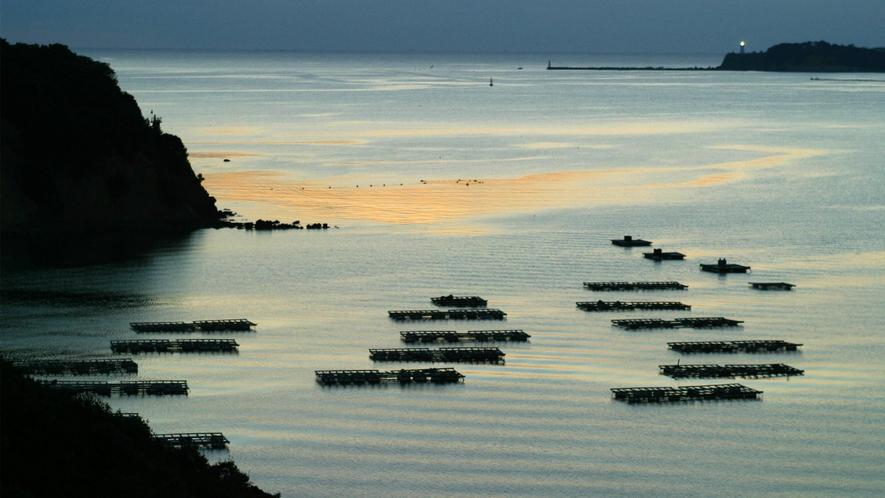 ◆的矢湾の雄大な景観美(客室テラスより)E