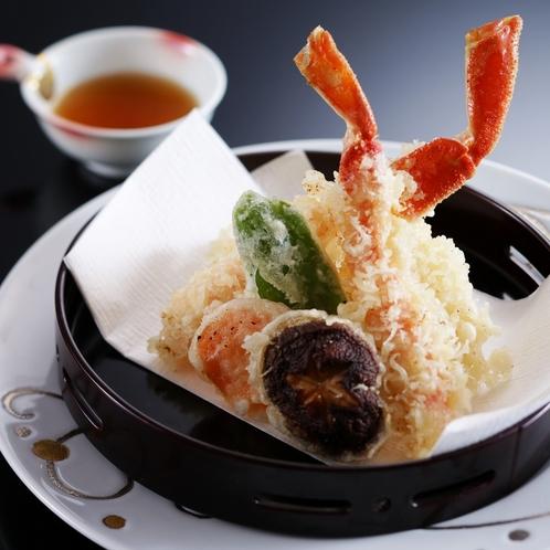 蟹と魚の天ぷら盛り合わせ