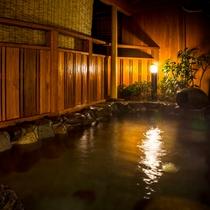 夜の露天風呂景色!
