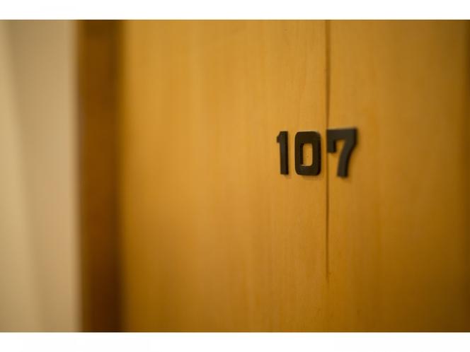 客室 ドア