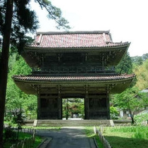 *林泉寺(当館から車で約50分)上杉謙信が7歳から14歳まで7年間学んだお寺。