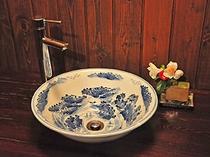 陶器製の洗面台