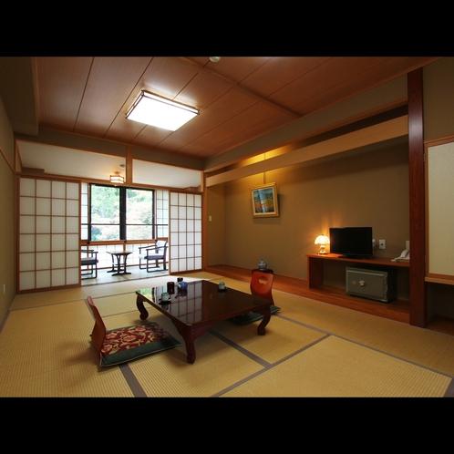 客室は、扉も大きめに設計された車椅子対応のお部屋