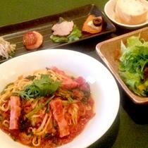 【パスタディナー一例】夕食は当館1階にあるレストランで本格パスタコースを♪特に女性に大人気です!
