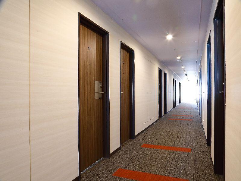 7階 フロア廊下