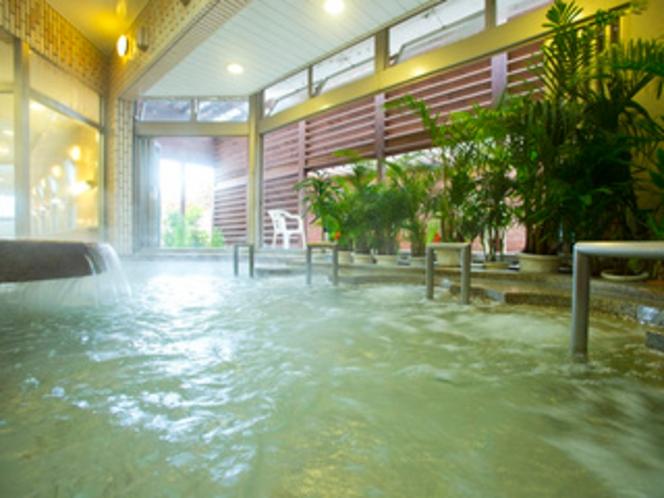 洋風風呂 万病の湯と言われるラジウム温泉には、さまざまな効果効能があります。