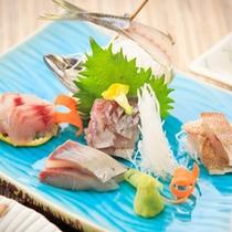 ご夕食の一例(地魚尽くしのお造り)