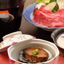 ご夕食イメージ(飛騨牛のすき焼き、鮑やわらか煮、特製ロールキャベツ)