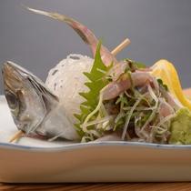 ご夕食の一例(地魚の活造り)
