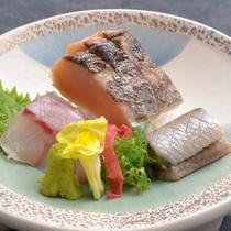 ご夕食の一例(地魚お造り)