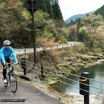 SEA TO SUMMIT。奥津渓のヒルクライムはサイクリストに人気のコースです
