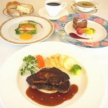 牛フィレ肉のステーキ ロッシーニ風(2014年春)