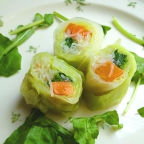 嬬恋産 春キャベツのロールサラダ
