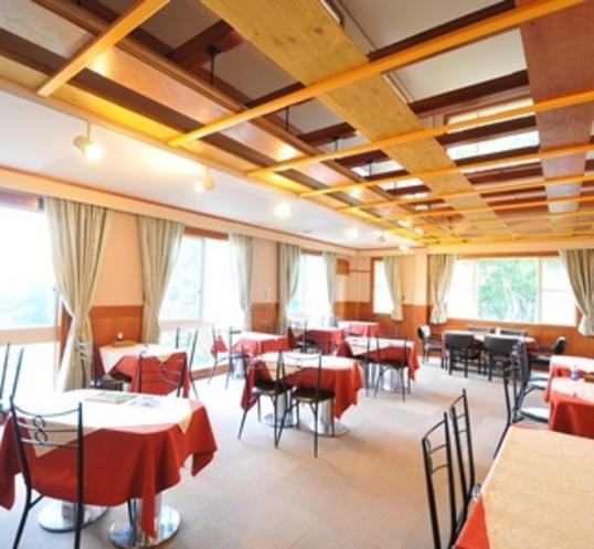 開放的なレストラン①
