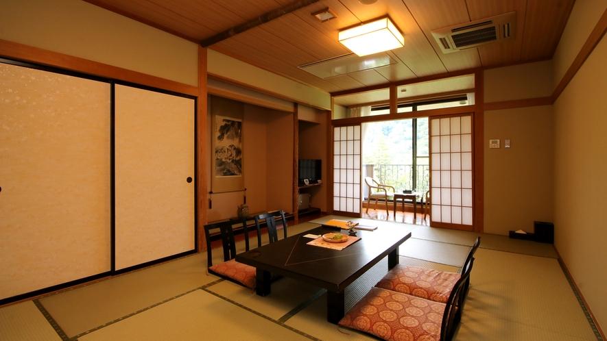 【お部屋一例】ほっと落ち着く和室のお部屋。人数に合わせてお部屋をご用意いたします。