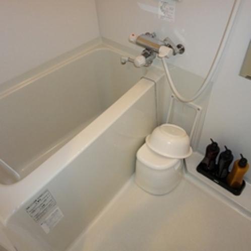 カーテンの無い浴室、疲れを癒やして、明日のお仕事に備えて下さい。
