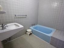 客室内風呂(和室低層階山側)