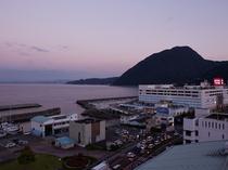 別府湾側の朝の風景例