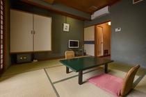 エコノミー和室8畳 山側(バスあり・シャワーなし・洗浄機能付トイレ)